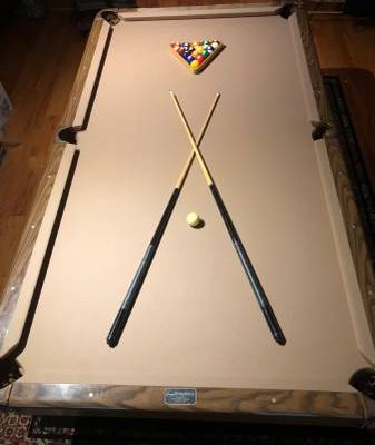 Steepleton pool table, accessories & 2 spectator chairs